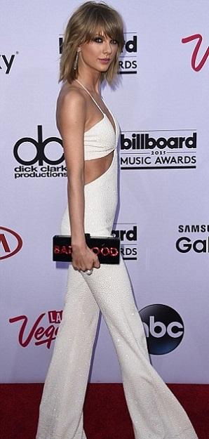 Vòng 1 xưa và nay của Taylor Swift dấy lên nghi vấn phẫu thuật thẩm mỹ - 1