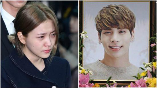Yeri khóc nức nở trong đám tang.