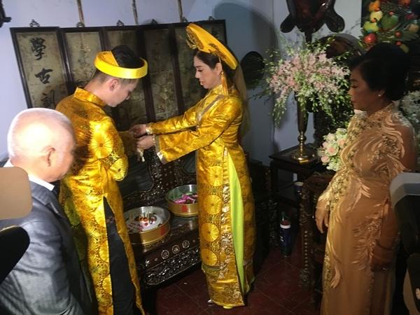 Dàn phù dâu chuyển giới xinh đẹp tại đám cưới Lâm Khánh Chi