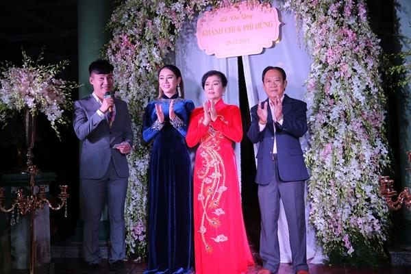 Lâm Khánh Chi hồi hộp trước giờ đón dâu.