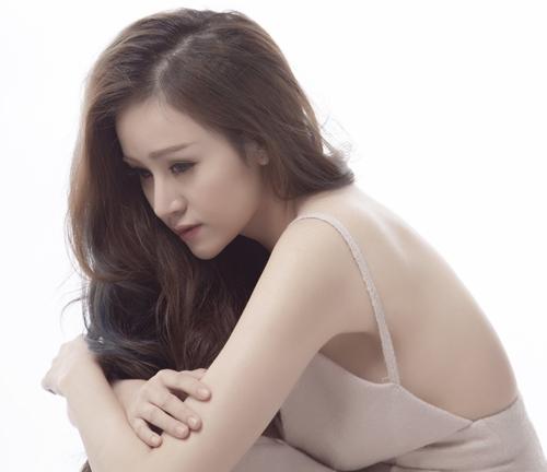 Bà Tưng tái xuất gợi cảm sau nửa năm mất tích - 4