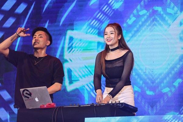 DJ Sunny từng có tuổi thơ nhiều biến cố. 9X vượt qua nhiều thử thách để đến với nghề DJ.