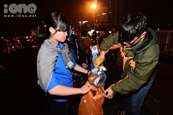 Hành động ý nghĩa nhất của bạn trẻ Đà Nẵng trong ngày đầu năm mới - 4