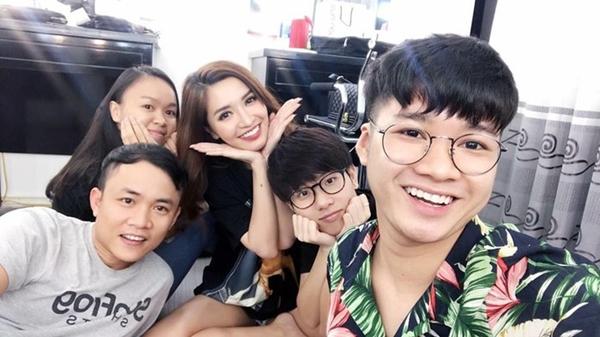 Sao Việt đón 2018: Người hạnh phúc bên gia đình, kẻ xuất ngoại đầu năm - 3