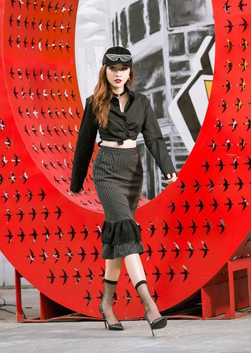 Sao, hot girl Việt mặc gì đi chơi trong tuần mừng năm mới - 1