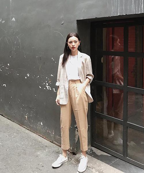 Sao, hot girl Việt mặc gì đi chơi trong tuần mừng năm mới - 2