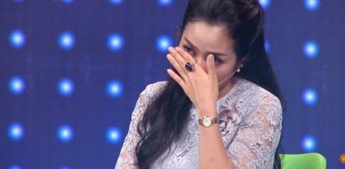 Ốc Thanh Vân rơi nước mắt trước phần trình diễn của Nguyễn Thị Hòa.