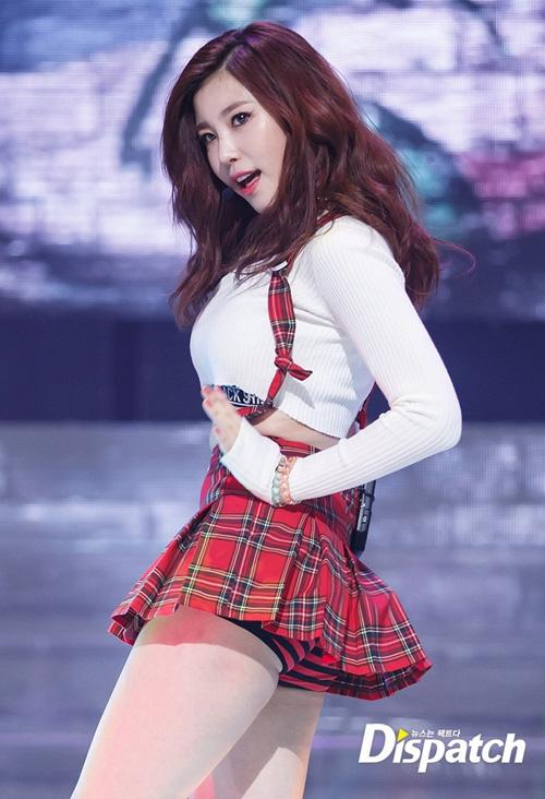 Những bộ đồng phục nữ sinh sexy nhất của idol Hàn - 2