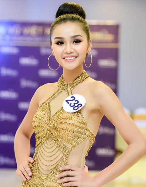 3 cô gái xinh như mộng ở Hoa hậu Hoàn vũ bị nghi sửa răng, thẩm mỹ - 6