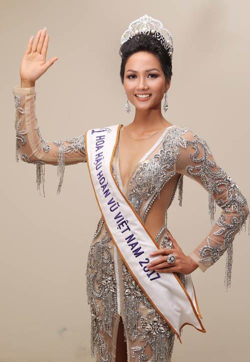 Nhan sắc thật của Hoa hậu HHen Niê khi rũ sạch phấn son