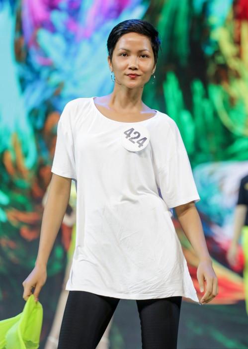 Nhan sắc thật của Hoa hậu HHen Niê khi rũ sạch phấn son - 5