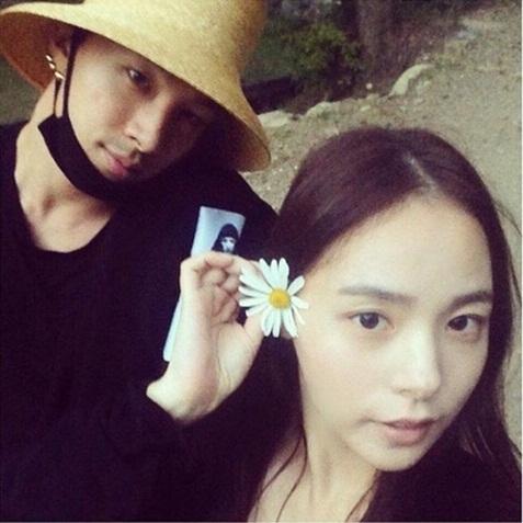 Fan Kpop thấy mình đã già khi các idol này lập gia đình, sinh con - 1