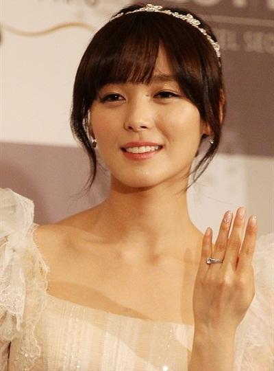 Fan Kpop thấy mình đã già khi các idol này lập gia đình, sinh con - 5