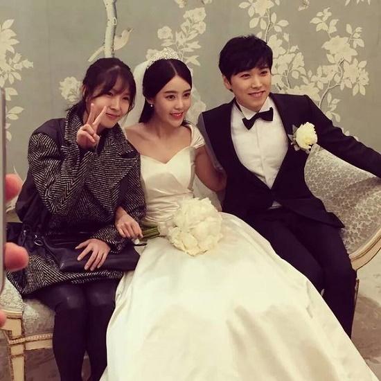 Fan Kpop thấy mình đã già khi các idol này lập gia đình, sinh con - 10