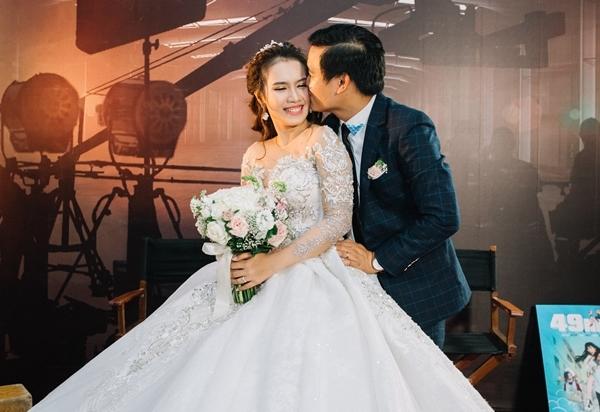 Lan Ngọc và dàn sao Việt dự đám cưới diễn viên Cánh đồng bất tận