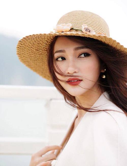 Cô gái mặt đẹp nhất Hoa hậu Hoàn vũ hụt vương miện đáng tiếc - page 2