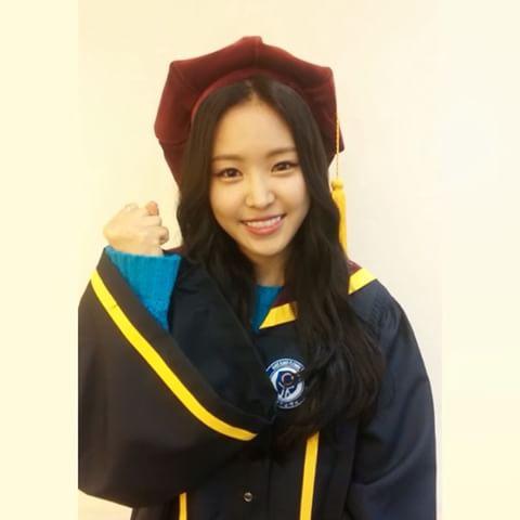 Loạt idol từng theo học ở trường cấp 3 nhà giàu Apgujeong (2) - 4