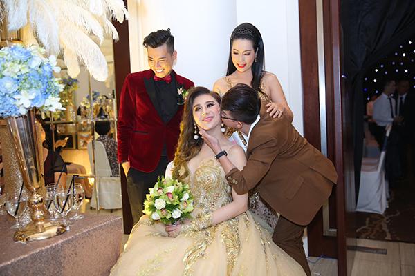 Dàn sao dự đám cưới Lâm Khánh Chi - 1