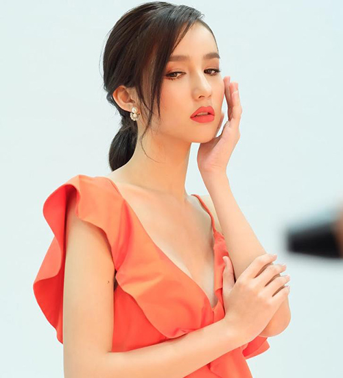 Nhan sắc đối thủ đáng gờm nhất của Hương Giang ở Hoa hậu chuyển giới - 4