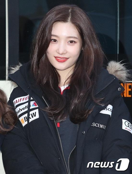 Nhan sắc rực rỡ của Chae Yeon làm tốn không biết bao nhiêu giấy mực của báo chí.