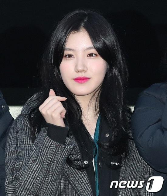 Xi Yeon (Pristin) cũng sở hữu nhan sắc thuộc dạng không phải vừa đâu.