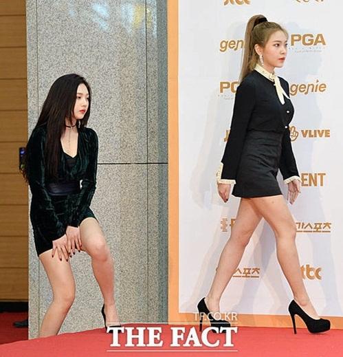 Red Velvet luôn sợ hớ hênh vì stylist có sở thích cắt váy