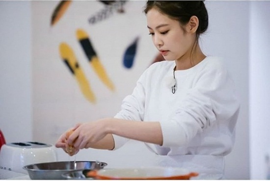 Những idol nữ Kpop có khả năng nấu nướng chuẩn nhất nhóm - 2
