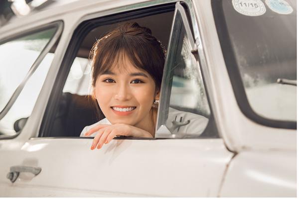 Hot girl Vân Shi làm bạn gái cùng lúc với 4 trai đẹp