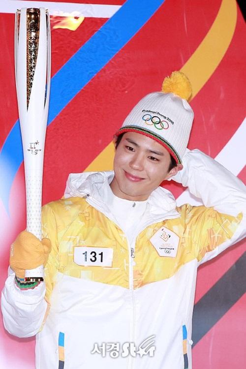Dàn nữ thần, nam thần xứ Hàn tỏa sáng tại lễ rước đuốc Olympic - 3