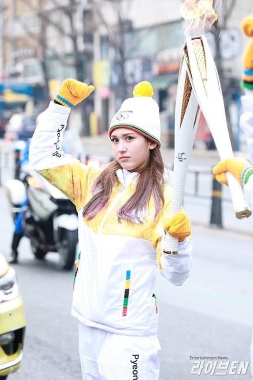 Dàn nữ thần, nam thần xứ Hàn tỏa sáng tại lễ rước đuốc Olympic - 5