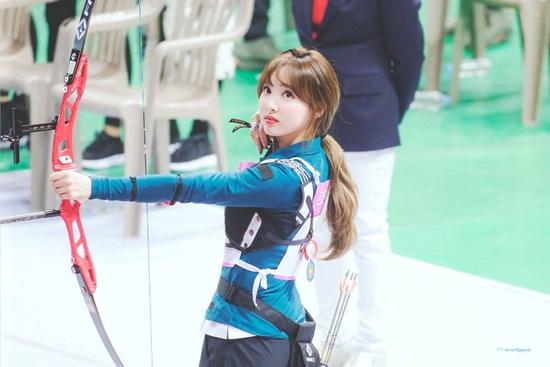 Irene, Tzuyu, Na Yeon cạnh tranh cho ngôi vị Nữ thần bắn cung - 8
