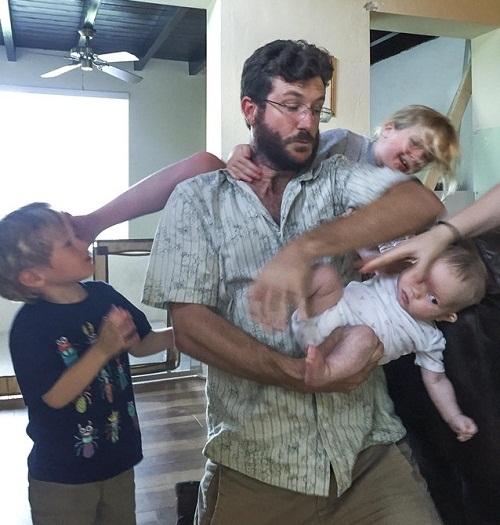 Ác mộng đáng sợ của mọi ông bố.