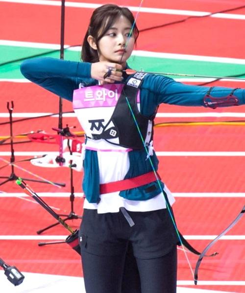 Irene, Tzuyu, Na Yeon cạnh tranh cho ngôi vị Nữ thần bắn cung - 2