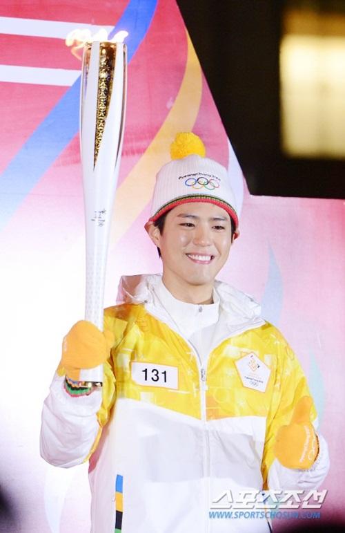 Dàn nữ thần, nam thần xứ Hàn tỏa sáng tại lễ rước đuốc Olympic - 2
