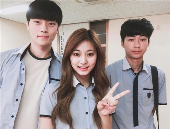 Những mỹ nam, mỹ nữ Kpop chuẩn bị tốt nghiệp trường Hanlim - 5