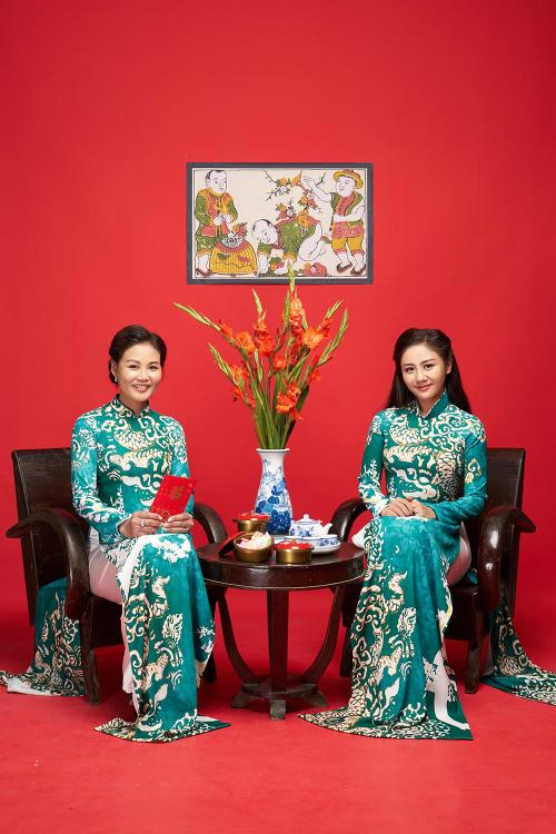 Văn Mai Hương khoe mẹ trẻ trung trong bộ ảnh đón Tết - 3