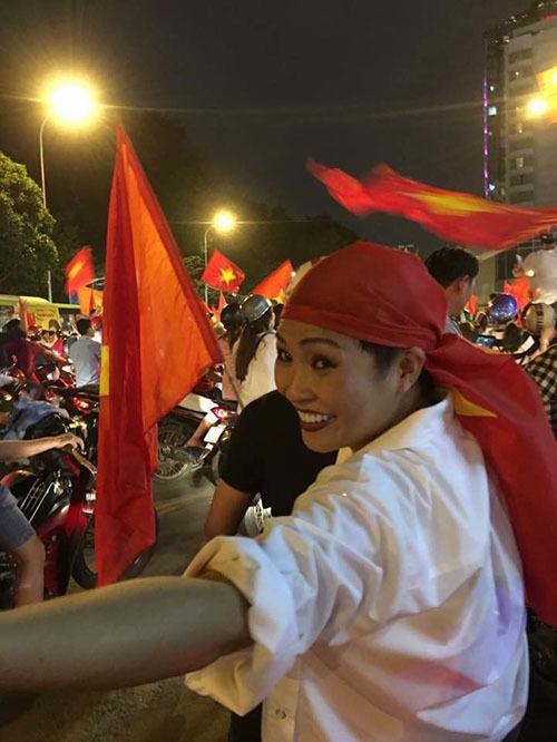Khi sao Việt rũ bỏ sang chảnh, mất ngủ vì U23 Việt Nam - 2
