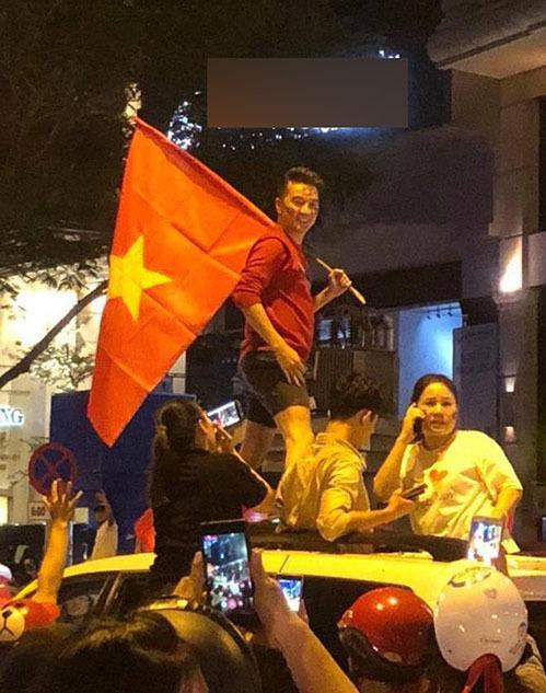 Khi sao Việt rũ bỏ sang chảnh, mất ngủ vì U23 Việt Nam - 3