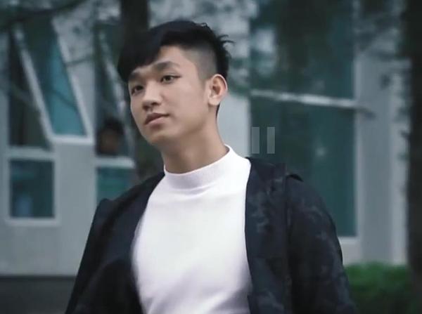 3 soái ca U23 Việt Nam vừa cao vừa cool, không làm người mẫu hơi phí - 11