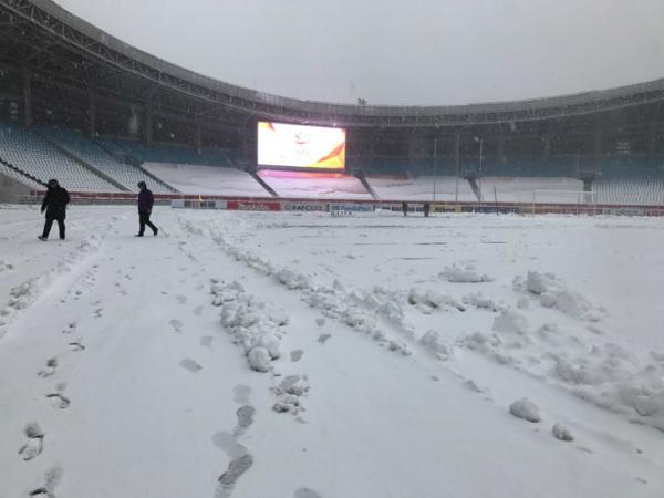 Tuyết phủ trắng sân vận động ở Thường Châu. Ảnh: Xuyên Vân
