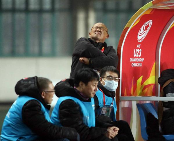 Những hình ảnh chứng minh bố già Park Hang Seo thương các học trò như con - 6