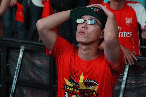 Girl xinh khóc nức nở vì U23 Việt Nam thua trong nháy mắt - 8