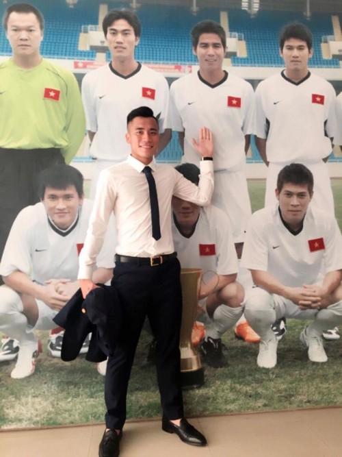 Hình ảnh các chàng trai U23 trong sơ mi trắng khiến fan nữ rụng rời - 7