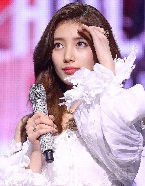 Suzy bị chỉ trích: Mặt đẹp nhưng kém hiểu biết