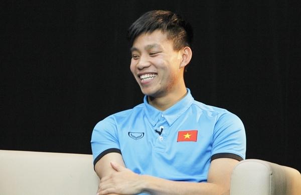 Vũ Văn Thanh liên tục bắn tim kute tặng fan - 4