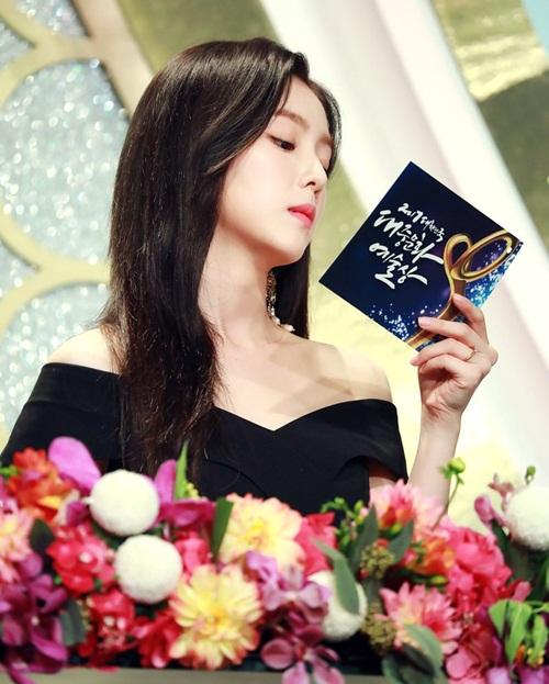 5 nữ thần Kpop là MC tài năng được loạt show săn lùng (2) - 1