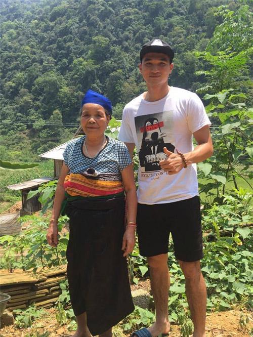 Chỉ một bức ảnh, thêm một trai đẹp của U23 Việt Nam được khai quật - 1