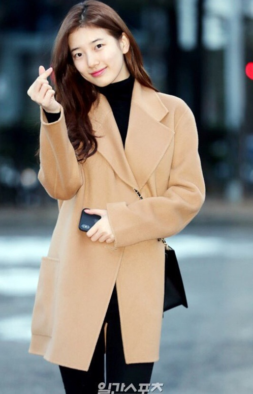 Suzy khoe mặt mộc, Irene hết hồn vì fan cuồng khi đến Music Bank - 1