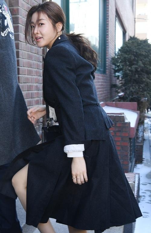 CL vấp ngã, Black Pink đẹp sang chảnh khi đến dự đám cưới Tae Yang - 3