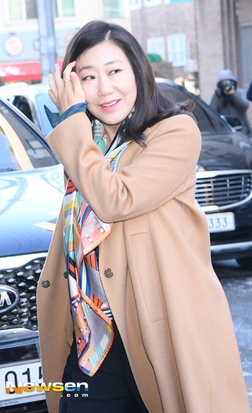 CL vấp ngã, Black Pink đẹp sang chảnh khi đến dự đám cưới Tae Yang - 4